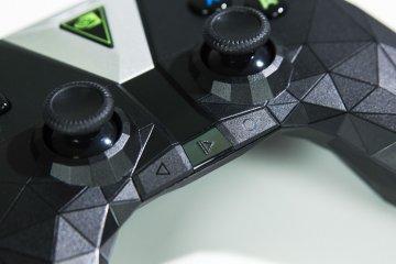 Nvidia Shield TV: облачный гейминг— новый уровень — Пульт управления и контроллер Shield. 14