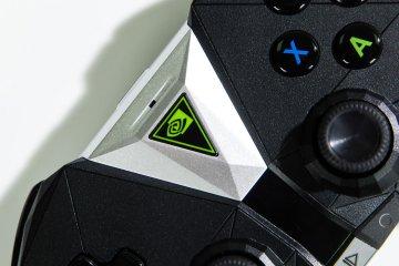 Nvidia Shield TV: облачный гейминг— новый уровень — Пульт управления и контроллер Shield. 15