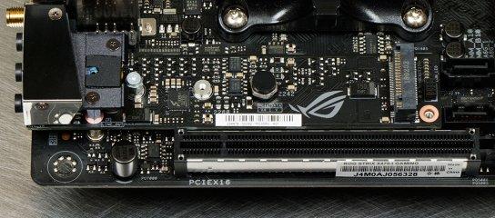 Обзор материнской платы ASUS ROG Strix X470-I Gaming — Внешний вид. 13