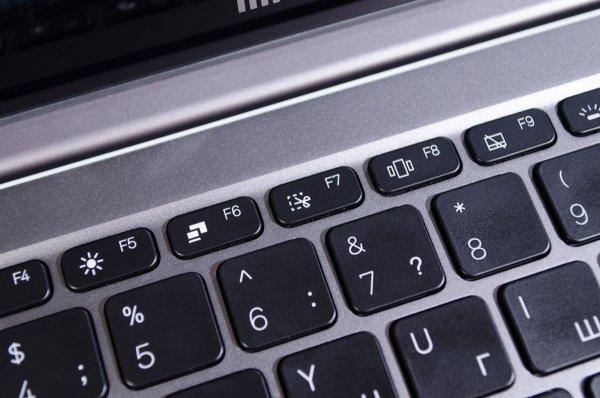 Обзор Xiaomi Mi Notebook Air 13.3 — рабочая машинка — Тачпад и клавиатура. 5