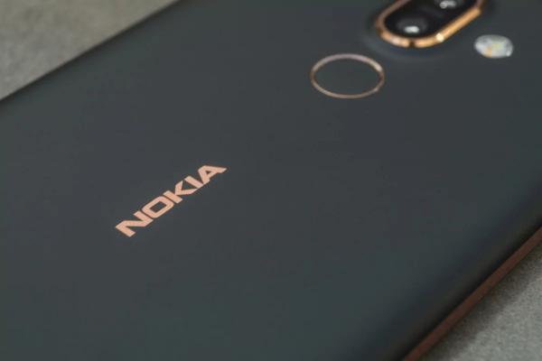 Nokia 9 иNokia X7 будут безчёлки