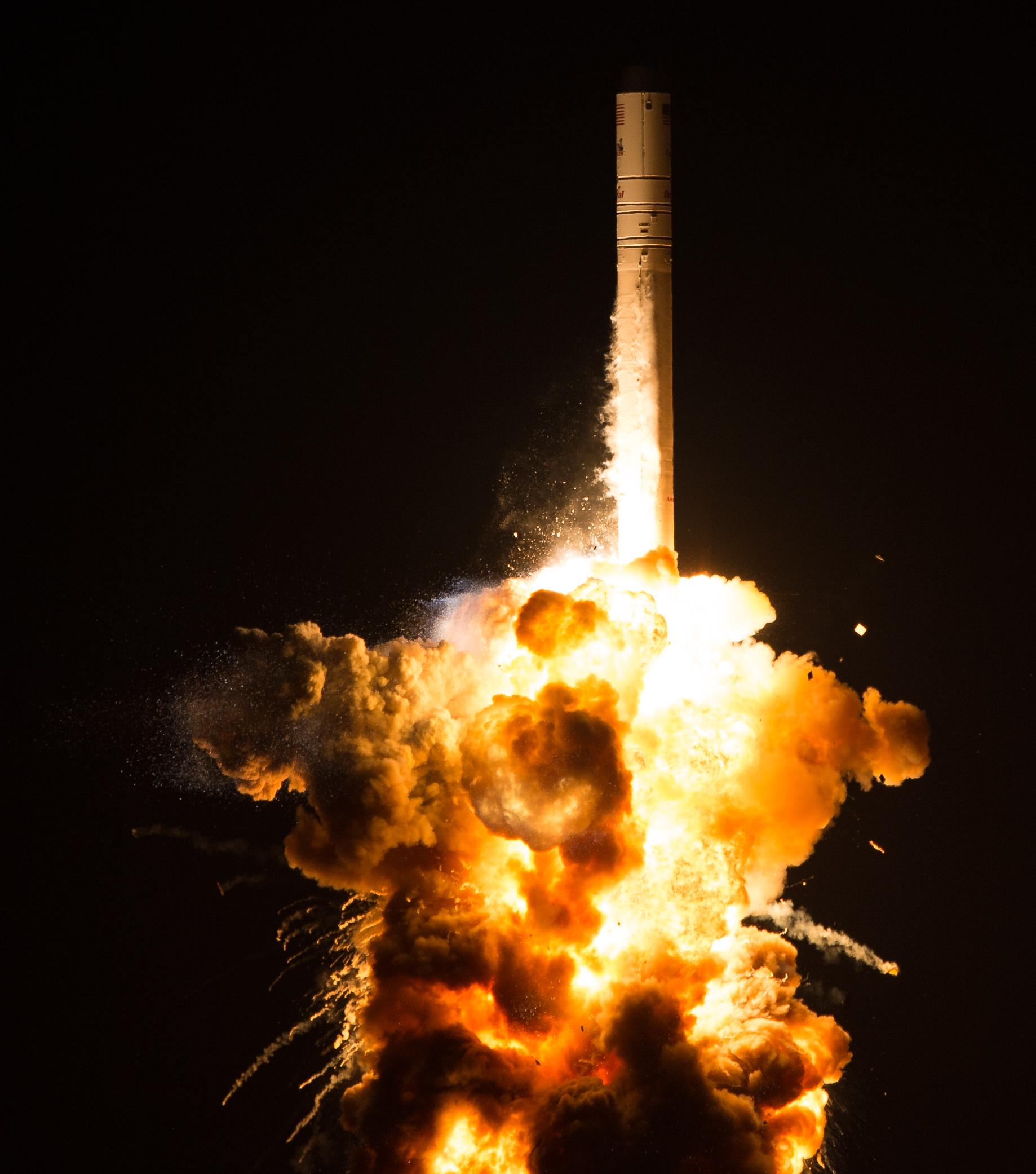nasa explosion with teacher - HD1838×2082